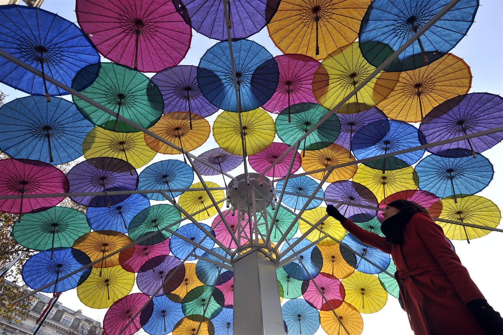 We designed and constructed London's largest collection of floating parasols, to formone giant, multi-coloured, cocktail umbrella stationed in Marble Arch.