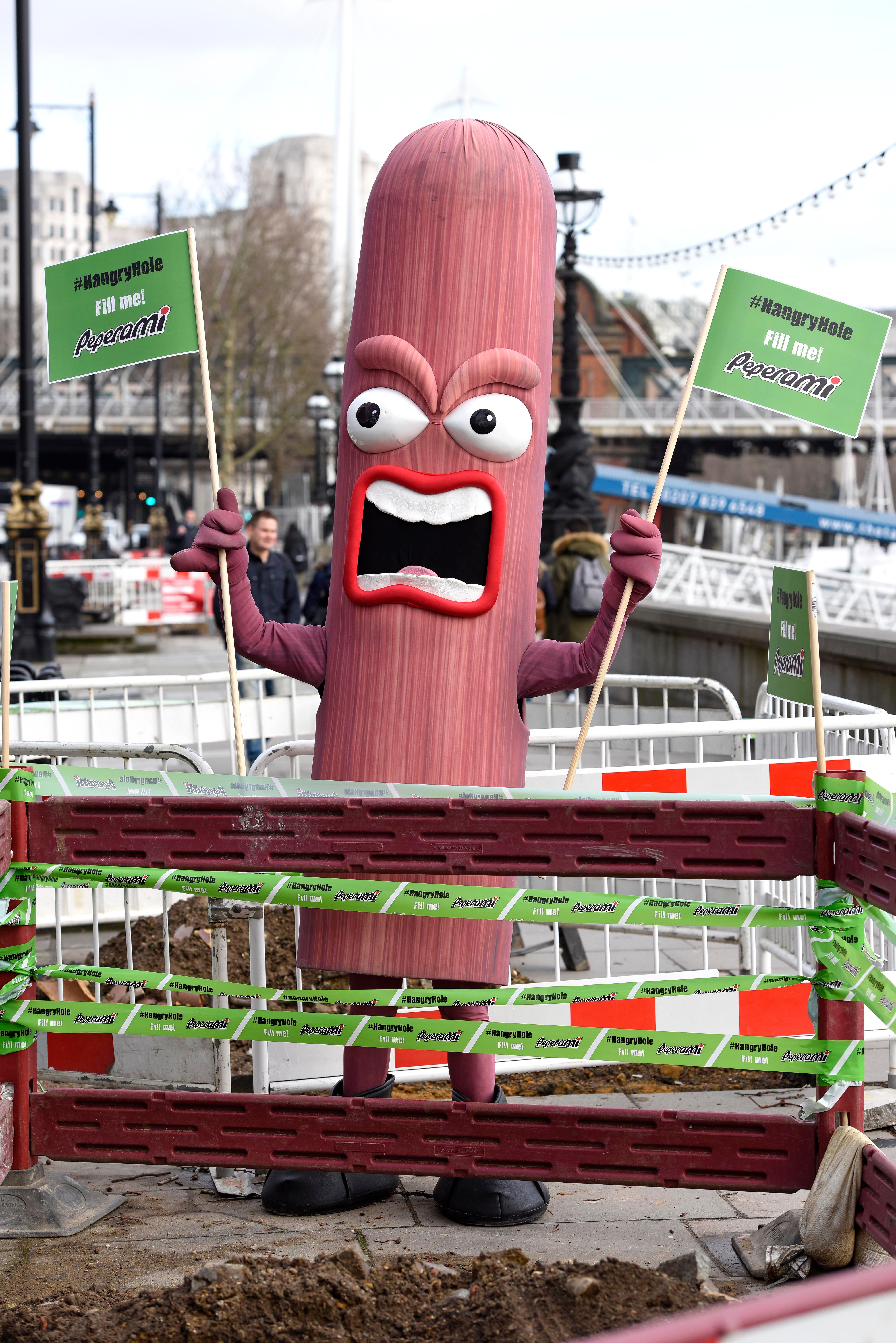 Peperami London porking #hangryhole pr stunt guerrilla marketing